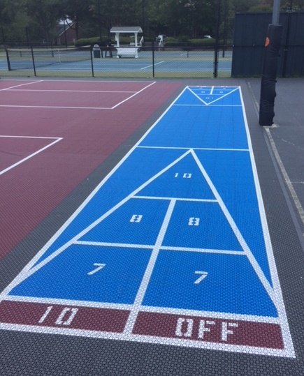 Basketball and recreational courts at Coosaw Creek Country Club